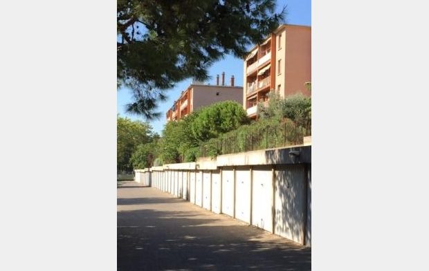 SISYPHE immobilier Garage / Parking | MARSEILLE (13009) | 13 m2 | 95 €